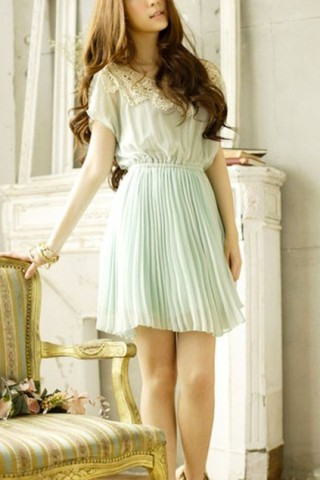 sweet-round-lace-neckline-short-sleeve-pleated-chiffon-dress