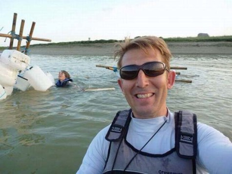 drowning selfie