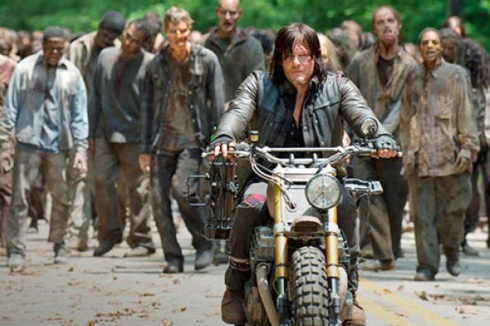 The-Walking-Dead--Daryl-Zombies